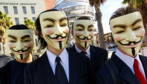 Anonymous_at_Scientology_in_Los_Angeles800x400